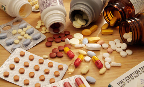 Những loại thuốc cần có trong tủ thuốc gia đình ngày tết