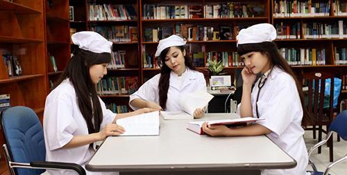 Sinh viên Đại học Dược Hà Nội (ảnh minh họa)