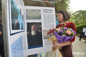 Cô Trần Hương Giang (giảng dạy môn Anh Văn) chia sẻ, buổi triển lãm này được tổ chức để tri ân và giúp các học trò nhớ về thầy Văn Như Cương đồng thời hướng đến ngày Nhà giáo Việt Nam 20/11.