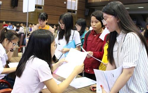 Nhiều trường công bố điểm thi sau khi phúc khảo bài thi thí sinh