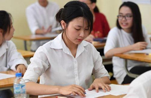 Dành nhiều thời gian để làm bài tập và ôn kiến thức trong sách giáo khoa