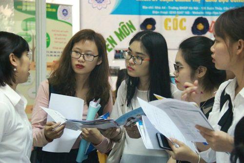 Đề thi và đáp án sẽ được công bố trên phương tiện thông tin đại chúng sau khi thí sinh kết thúc thời gian làm bài
