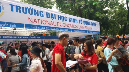 ĐH Kinh tế quốc dân hàng cũng có số lượng thí sinh bị thôi học khá nhiều